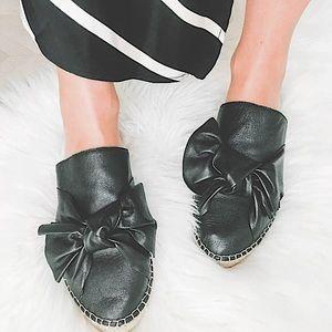 🖤🎀Sam Edelman Comfy Chic 'Lynda' Black Leather Bow Slipons Mules 7.5 🎀🖤